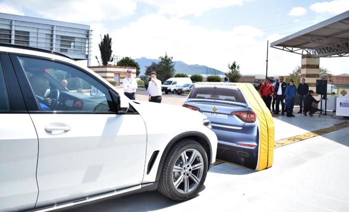 Sistema de Frenado de Emergencia Autónomo BMW X5 en Cesvi Colombia